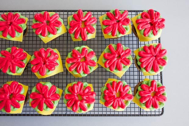 burger-cupcakes-11