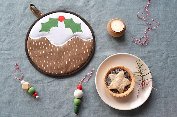 frankie christmas pudding trivet inside 1