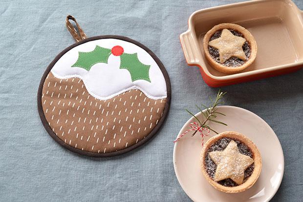 frankie christmas pudding trivet inside 2