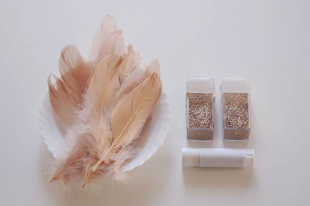 glitter-feather-diy-1