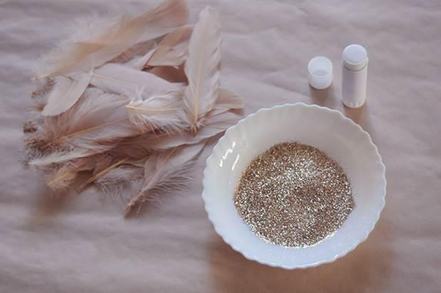 glitter-feather-diy-2