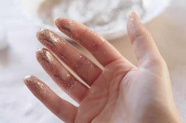 glitter-feather-diy-6