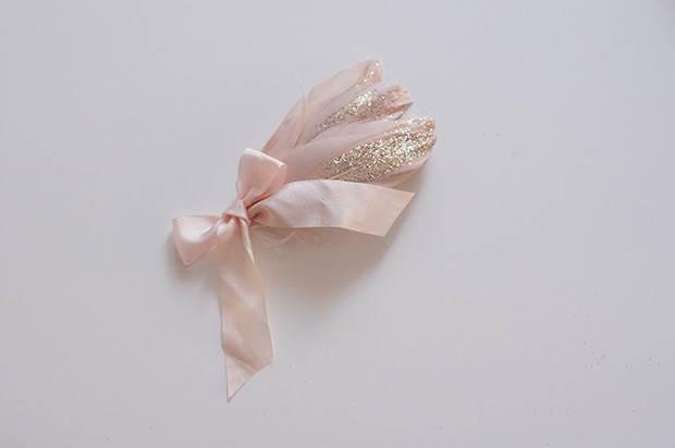 glitter-feather-diy-9