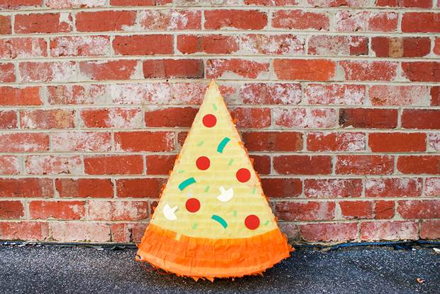 pizza-pinata-diy-1