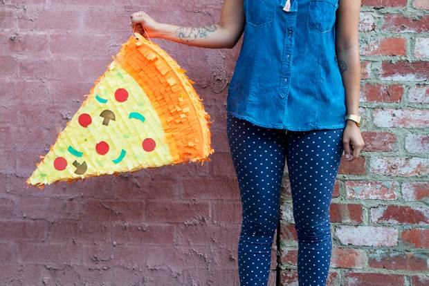 pizza-pinata-diy-15