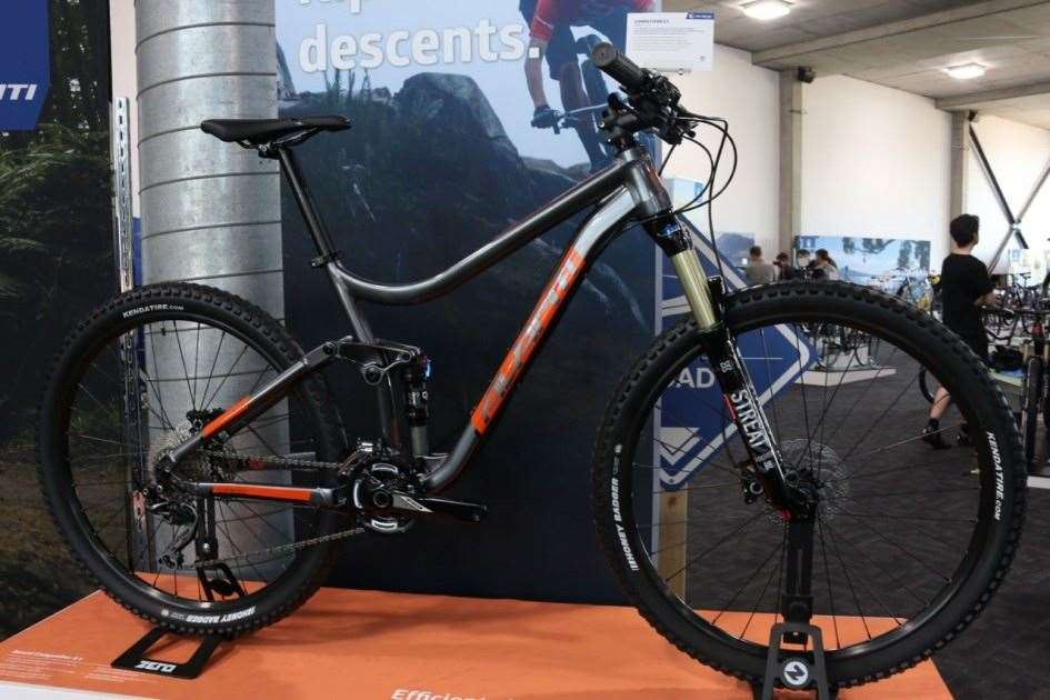 Avanti Roll Out New Competitor Trail Bike For 2016