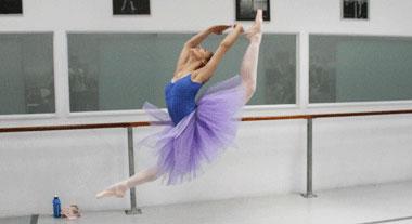 Ballerina: grande jete