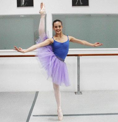 Ballerina: seconde on pointe