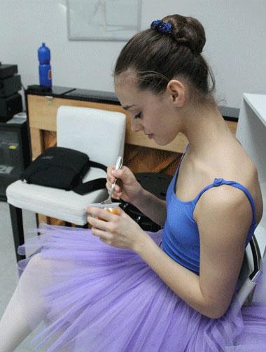 Ballerina: snack time