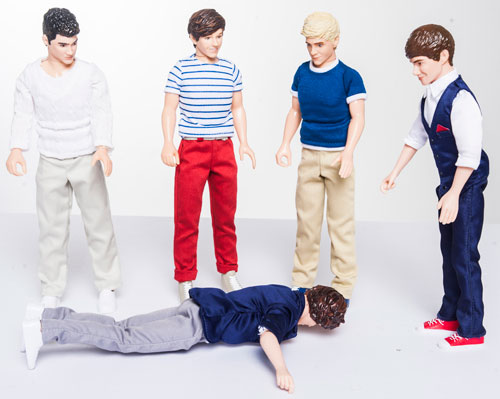 Harry face-plants in front of the band!