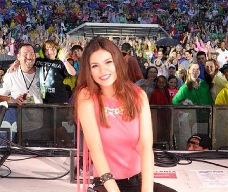 Victoria Justice is so thankful for her fans! Photo: Facebook